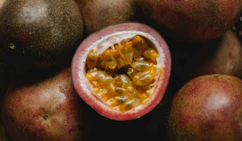 कृष्णा फल के फायदे और नुकसान Passion Fruit In Hindi